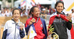 Chùm ảnh: Hoàng Thị Thanh 'mở hàng' HCB cho điền kinh ở SEA Games 29