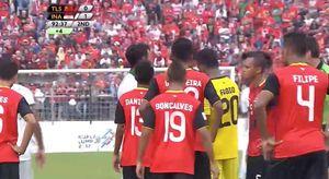 Cầu thủ Indonesia, Đông Timor lao vào ẩu đả ngay trên sân