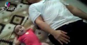 Bố và con cùng tập thể dục thu hút triệu lượt like trên facebook
