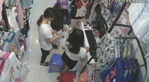 Nữ quái dùng thủ thuật tinh vi để trộm tiền trong cửa hàng