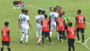 Màn loạn đả giữa U22 Indonesia và U22 Timor Leste