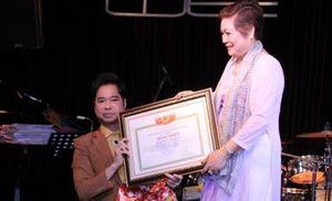 Ngọc Sơn được phong tặng 'Giáo sư âm nhạc': Bộ Công thương phải 'tuýt còi'