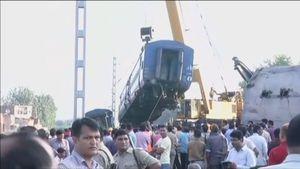 Số người chết tăng lên 23 trong vụ tàu trật bánh tại Ấn Độ