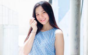 Hot girl 10X cao 1,74 m, văn hay chữ đẹp, rất thích Sơn Tùng M-TP