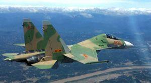 Clip Su-30MK2 của không quân Việt Nam ném bom chính xác