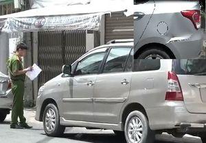 Video hàng loạt ôtô Grab ở TP.HCM bị nhóm người đập phá giữa ban ngày
