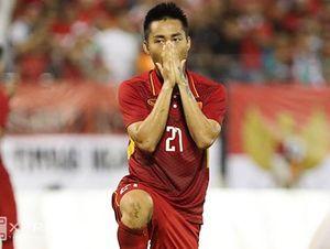 Các cầu thủ Việt Nam bênh vực Hồ Tuấn Tài
