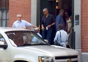 Vợ chồng Obama bịn rịn đưa con đi nhập học Harvard