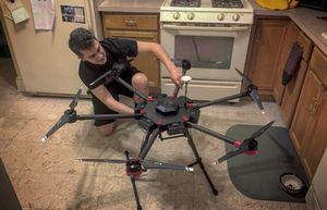 Dùng drone để vận chuyển ma túy qua biên giới