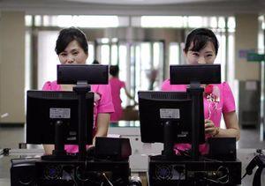 ATM và Mercedes: Thói quen tiêu dùng mới của người Triều Tiên