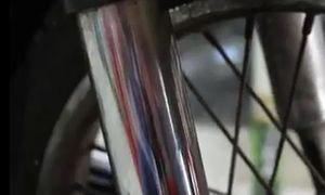 Mẹo đánh bay vết rỉ sét trên xe máy