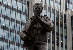 'Cha đẻ' súng AK-47 được dựng tượng đài ở Nga