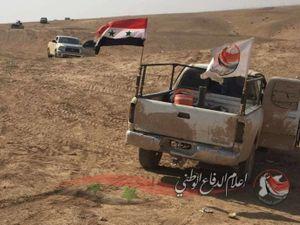 Quân đội Syria thắng lớn, đánh sập tuyến phòng thủ IS ở Deir Ezzor (video)