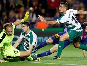 Messi phá kỷ lục ghi bàn tại La Liga