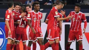 Cựu sao Real tỏa sáng, Bayern thắng dễ Schalke 3 - 0