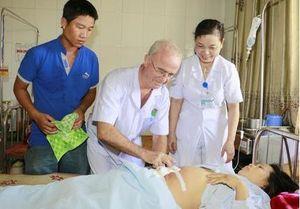 Một sản phụ vỡ tử cung, trụy mạch, mất máu nặng sau đẻ được cứu sống