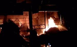 Clip cháy cửa hàng vật tư nông nghiệp ở Tiền Giang