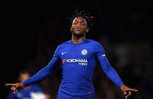Batshuayi lập hattrick, Chelsea dễ dàng đè bẹp Nottingham trên sân nhà