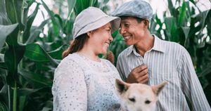 Nhiếp ảnh gia 9X kể chuyện tình '25 năm yêu hồn nhiên' của ba mẹ