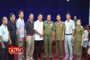 CATP Hà Nội chúc mừng tân Giám đốc Công an Thủ đô Viêng Chăn