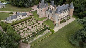 Lâu đài xa hoa được bán với giá khởi điểm … 1 euro