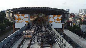 Flycam: Đường sắt trên cao Cát Linh - Hà Đông ngổn ngang rác thải