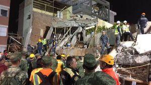 Mexico cứu sống 2 trẻ em bị chôn vùi sau động đất 7 độ