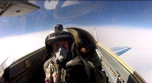 Tour lái máy bay chiến đấu giá 21.000 USD
