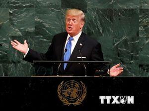 Uy tín của Tổng thống Mỹ Donald Trump tăng mạnh sau các trận siêu bão