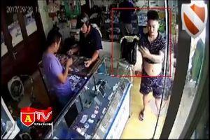 Lời khai của đối tượng trộm Iphone 6S Plus ở phố Quan Nhân