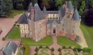 Lâu đài được rao bán giá... 27.000 đồng
