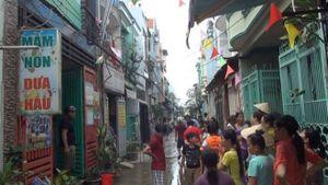 Cháy lớn nhà trông trẻ ở Sài Gòn, hai vợ chồng tháo chạy ra ngoài thoát thân