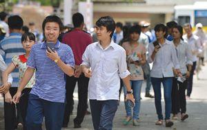 Nhiều trường đại học bất ngờ tăng học phí: Đích đến của tự chủ?