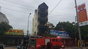 Hiện trường vụ cháy nhà 5 tầng khiến hai chị em tử vong