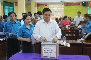 LĐLĐ Hà Tĩnh phát động ủng hộ đồng bào bị thiệt hại do bão số 10