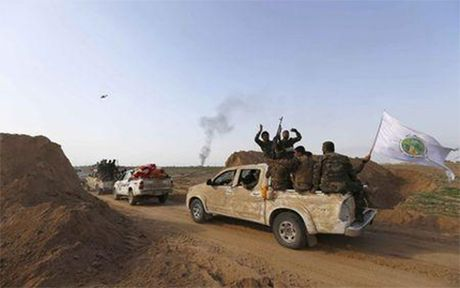 Iraq mo dot tan cong lon gianh lai Tikrit tu IS - Anh 1