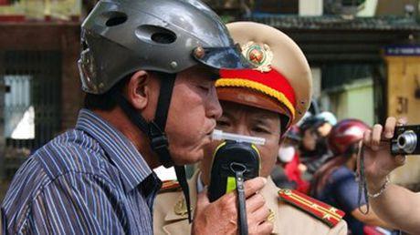 """""""Khong de canh sat giao thong duoc quyen tich thu xe"""" - Anh 1"""