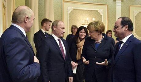Putin tiet lo tung ha lenh cho dac nhiem cuu cuu Tong thong Ukraine - Anh 2