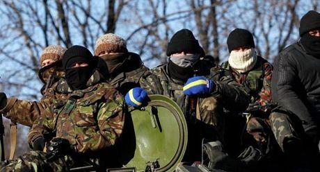 Bao Nga: Ucraine da tieu nhung dong tien cuoi cung de mua vu khi - Anh 1