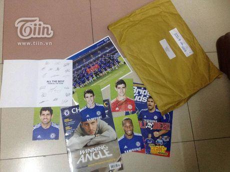 Chang trai Da Nang bat ngo duoc chu tich Chelsea tang qua - Anh 3