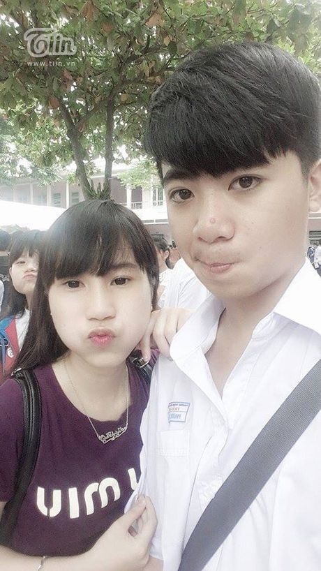 Chang trai Da Nang bat ngo duoc chu tich Chelsea tang qua - Anh 8