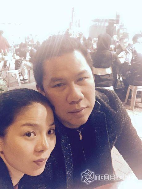 Vo chong Le Quyen vui ve di 'du hi' Hong Kong - Anh 1