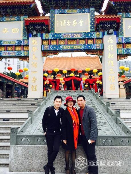 Vo chong Le Quyen vui ve di 'du hi' Hong Kong - Anh 2