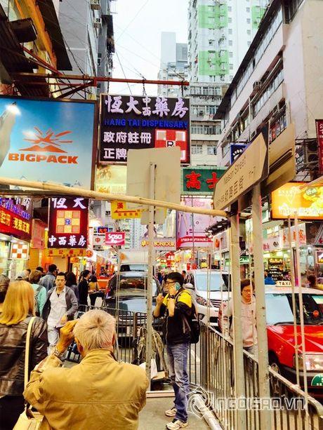 Vo chong Le Quyen vui ve di 'du hi' Hong Kong - Anh 4
