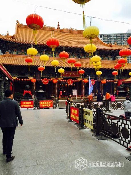 Vo chong Le Quyen vui ve di 'du hi' Hong Kong - Anh 6