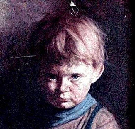 Di tim loi giai cho buc tranh 'Cau be khoc' bi nguyen rua - Anh 1