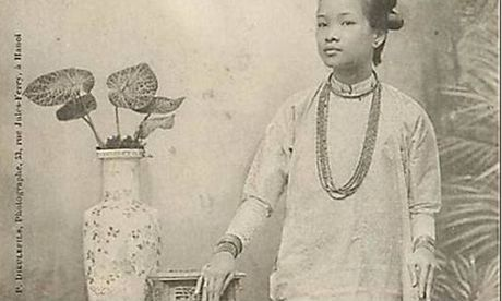 Cong tu Bac Lieu mat 50 kg vang de chinh phuc Hoa hau Dong Duong - Anh 1