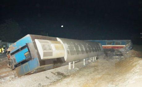 Tai nan tau hoa nghiem trong tren tuyen duong sat Bac Nam - Anh 1