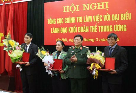 Tong cuc Chinh tri lam viec voi lanh dao khoi doan the Trung uong - Anh 2