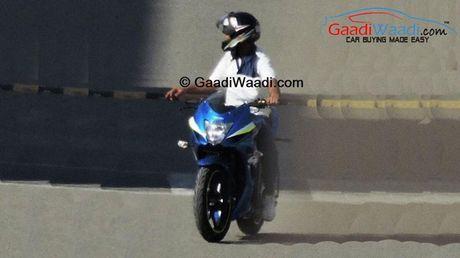 Lo dien Suzuki Gixxer SLK - doi thu moi cua Yamaha R15 - Anh 2